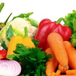 Como economizar na hora de comprar frutas e verduras